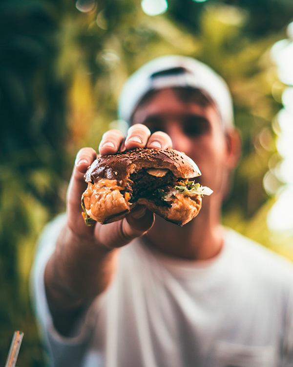 El arte de comer con las manos
